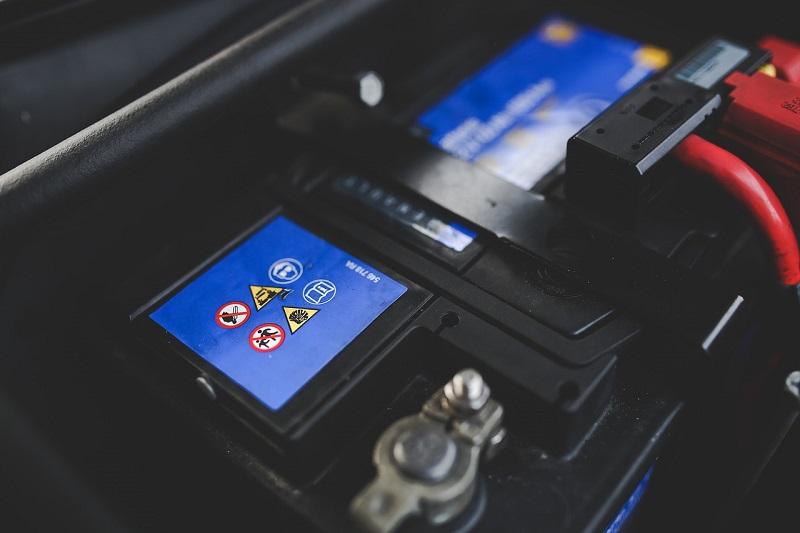 Akumulator za auto potrebno je održavati kako bi što dulje trajao