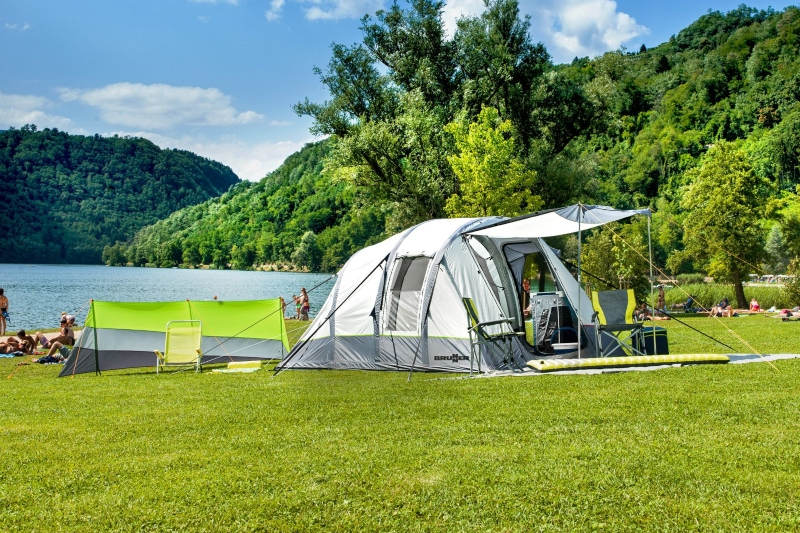 Svoj šator za kampiranje također možete nadograditi i predprostorom u kojem možete držati sve stvari koje ne želite imati u samom prostoru za spavanje