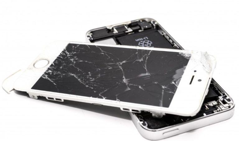 Mijenjanje stakla na telefonu danas je rutinski popravak